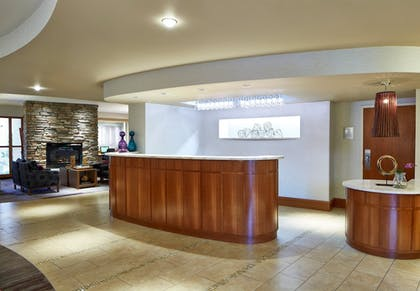 Lobby | Courtyard by Marriott Rochester Brighton