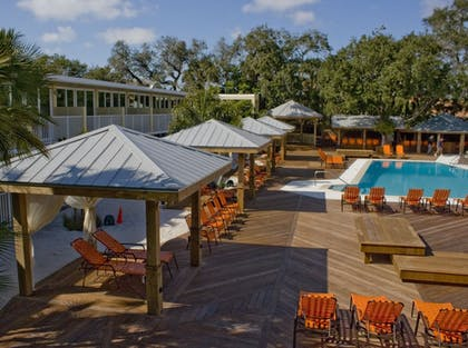 Outdoor Pool | Bentley's Boutique Hotel, BW Premier Collection