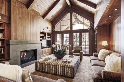 Living Room | The Lodge at Vail, A RockResort