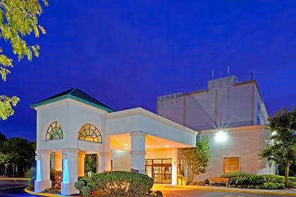 Featured Image | Holiday Inn Express Stony Brook