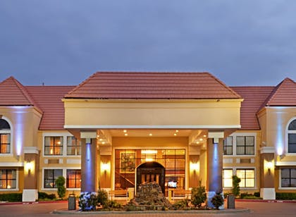 Featured Image   Holiday Inn Express & Suites Irving Dfw Airport North