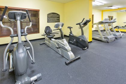 Fitness Facility   Holiday Inn Express & Suites Irving Dfw Airport North