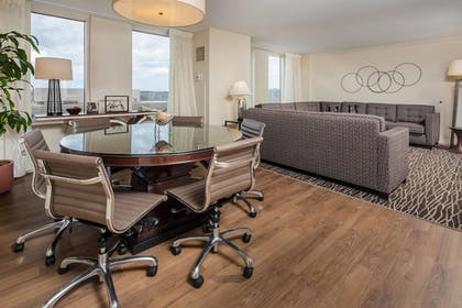 Guestroom | Augusta Marriott at the Convention Center