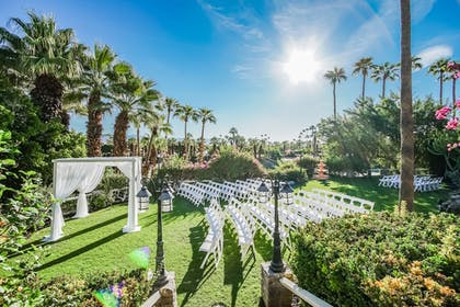 Property Grounds | Palm Springs Tennis Club, a VRI resort