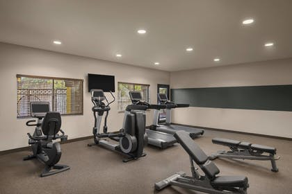 Sports Facility | Four Points by Sheraton Anaheim