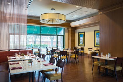 Restaurant | Chicago Marriott at Medical District/UIC