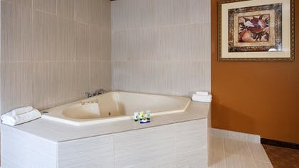 Jetted Tub | Best Western Inn of St. Charles