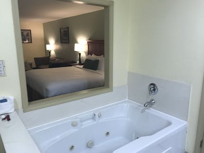 Jetted Tub | Best Western Plus Sonora Oaks Hotel & Conference Center