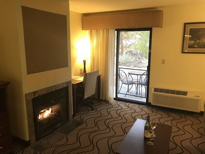 Guestroom | Best Western Plus Sonora Oaks Hotel & Conference Center