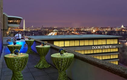 Exterior | DoubleTree by Hilton Hotel Washington DC - Crystal City