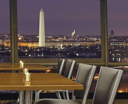 Restaurant | DoubleTree by Hilton Hotel Washington DC - Crystal City