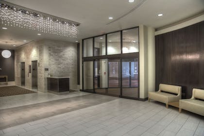 Interior Entrance | DoubleTree by Hilton Hotel Washington DC - Crystal City