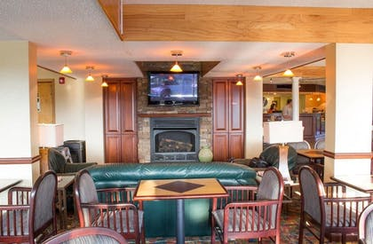 Breakfast Area | The View Inn & Suites