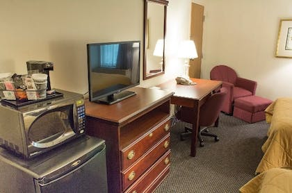 Living Area | The View Inn & Suites