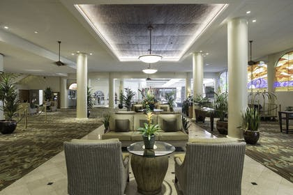 Lobby Sitting Area | Waikiki Resort Hotel