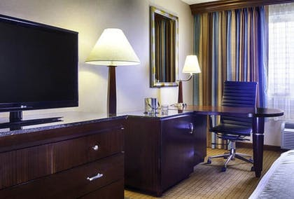 In-Room Business Center | DoubleTree by Hilton Hotel Denver