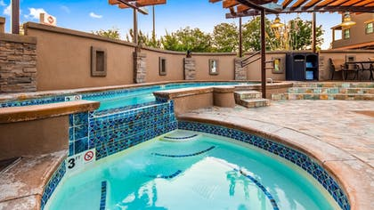 Outdoor Pool | Best Western Plus Canyonlands Inn