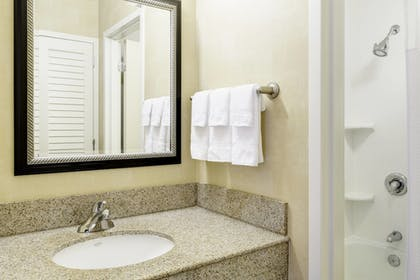 Room | Courtyard by Marriott Raleigh/Cary