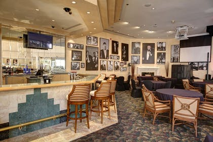 Hotel Bar | Indian Wells Resort Hotel