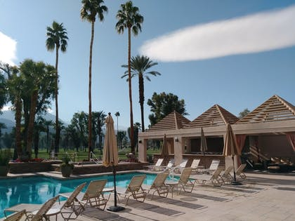 Outdoor Pool | Indian Wells Resort Hotel