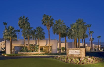 Hotel Front - Evening/Night | Indian Wells Resort Hotel
