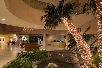 Lobby | Indian Wells Resort Hotel