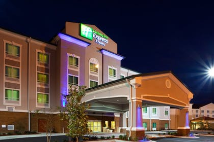 Exterior | Holiday Inn Express Hotel & Suites Valdosta Southeast