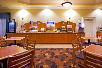 Breakfast Area | Holiday Inn Express Hotel & Suites Valdosta Southeast