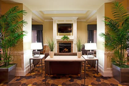 Lobby Lounge | Holiday Inn Express Hotel & Suites Valdosta Southeast