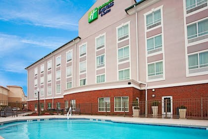 Pool | Holiday Inn Express Hotel & Suites Valdosta Southeast