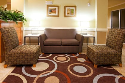 Lobby | Holiday Inn Express Hotel & Suites Valdosta Southeast