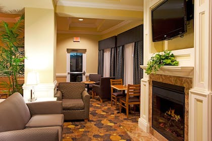 Hotel Interior | Holiday Inn Express Hotel & Suites Valdosta Southeast