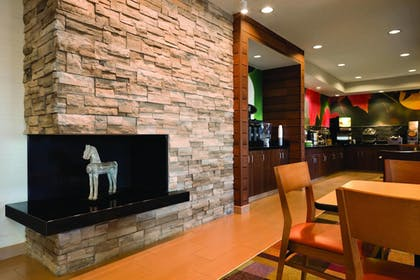Lobby | Fairfield Inn by Marriott Muncie