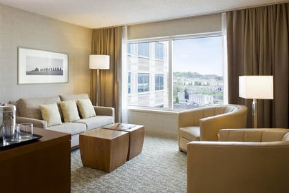 Guestroom | The Westin Pittsburgh, a Marriott Hotel