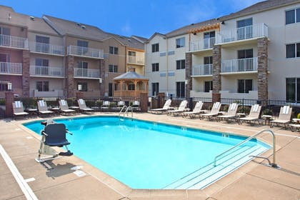 Pool | Holiday Inn Express Hotel & Suites Pittsburgh Airport
