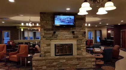 Lobby Lounge | Holiday Inn Express Hotel & Suites Pittsburgh Airport