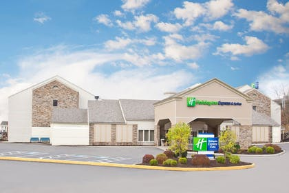 Exterior | Holiday Inn Express Hotel & Suites Pittsburgh Airport