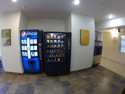 Vending Machine | Motel 6 Indianapolis Anderson