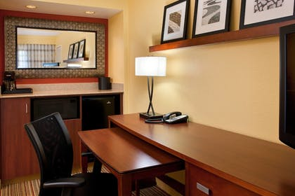 Guestroom | Courtyard by Marriott San Diego Sorrento Valley