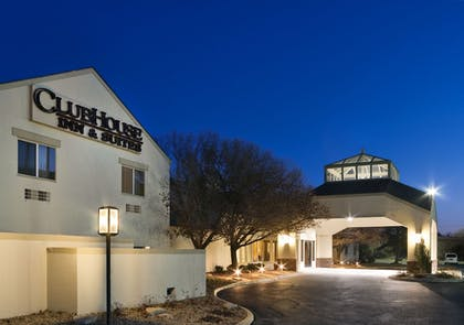 Hotel Front - Evening/Night | Clubhouse Inn Topeka