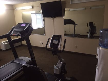 Fitness Facility | Clubhouse Inn Topeka