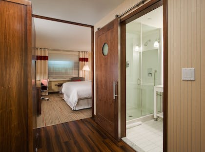 Guestroom   Four Points by Sheraton Newburgh Stewart Airport