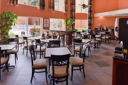 Restaurant | Holiday Inn Express Clearwater East - Icot Center