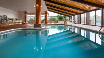 Pool | Best Western Royal Plaza Hotel & Trade Center
