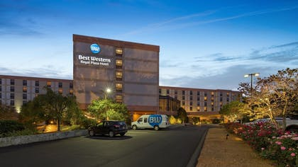 Featured Image | Best Western Royal Plaza Hotel & Trade Center