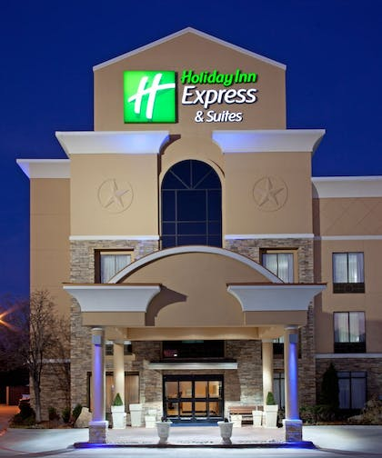 Featured Image | Holiday Inn Express Arlington