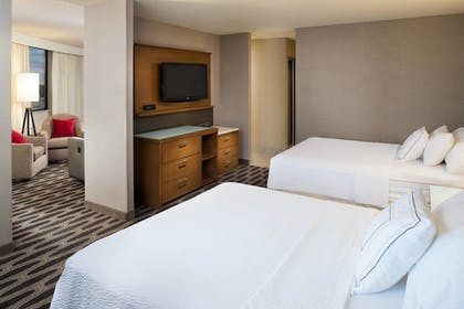 Guestroom | Courtyard by Marriott Minneapolis Downtown