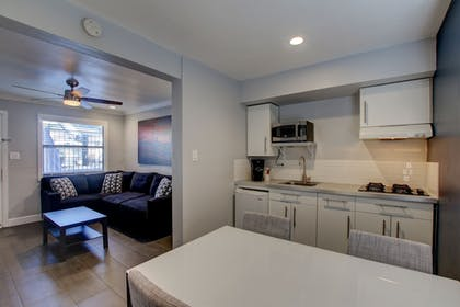 In-Room Dining | Beach Haven