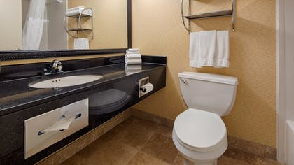 Bathroom | Best Western Plus Philadelphia Bensalem Hotel