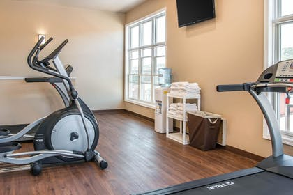 Fitness Facility | Quality Inn & Suites